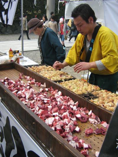 takoyaki-puesto-callejero-400x533